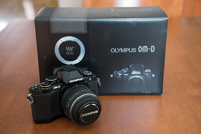 Olympus_OM-D_E-M10-4-boite.jpg