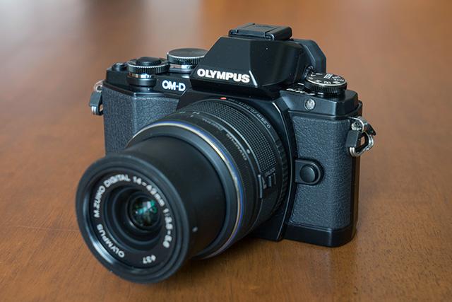 Olympus_OM-D_E-M10-1-TroisQuarts.jpg