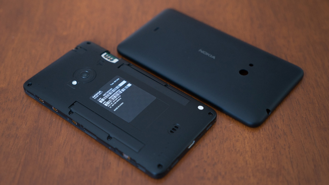 NokiaLumia625-SansCoque.jpg