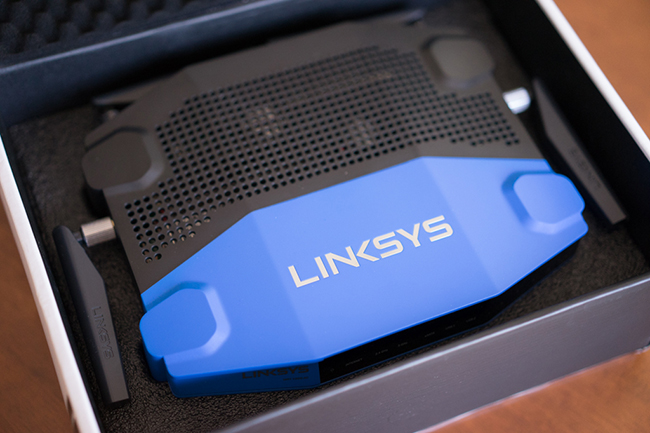 Linksys_WRT1900AC-replié.jpg