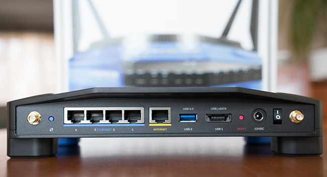 Linksys_WRT1900AC-back.jpg