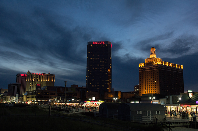 Vacances_AtlanticCity_BlueHour.jpg