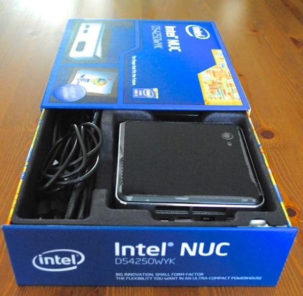 deballage de NUC d'Intel.jpg