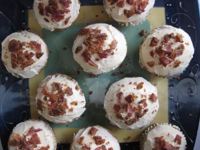 bacon cupcakes.jpg