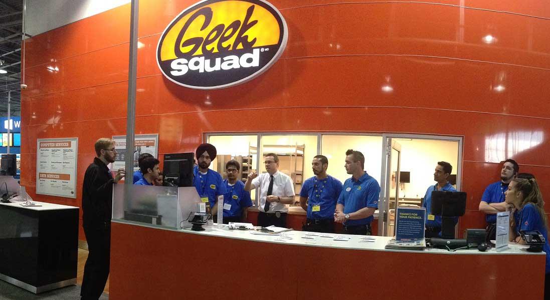 geek squad desk.jpg