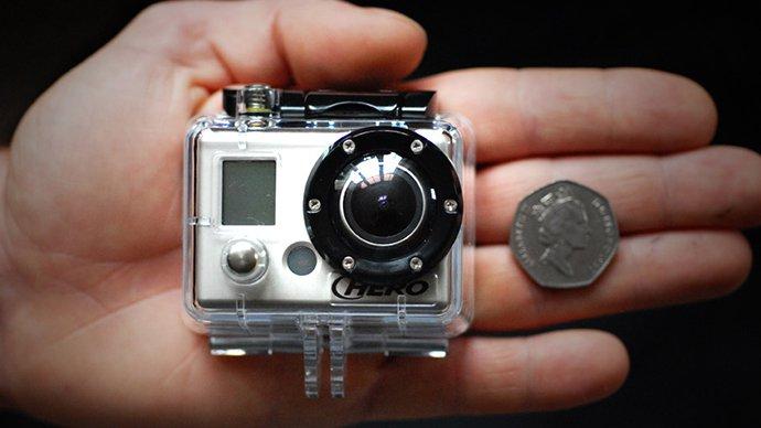 GoPro sur main