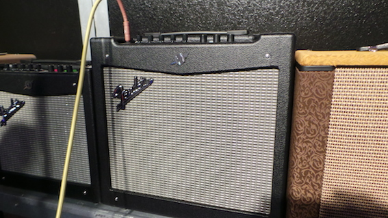 Amplificateur Fender Mustang 2