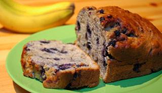 pain-aux-bananes-et-aux-bleuets-faible-en-gras-recipeugc-142302-principal.jpg