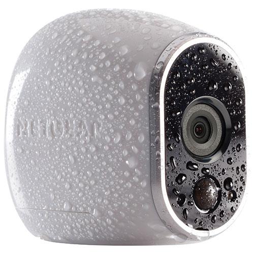 Système de sécurité intérieur et extérieur sans fil avec 4 caméras 720p Arlo de NETGEAR.jpg