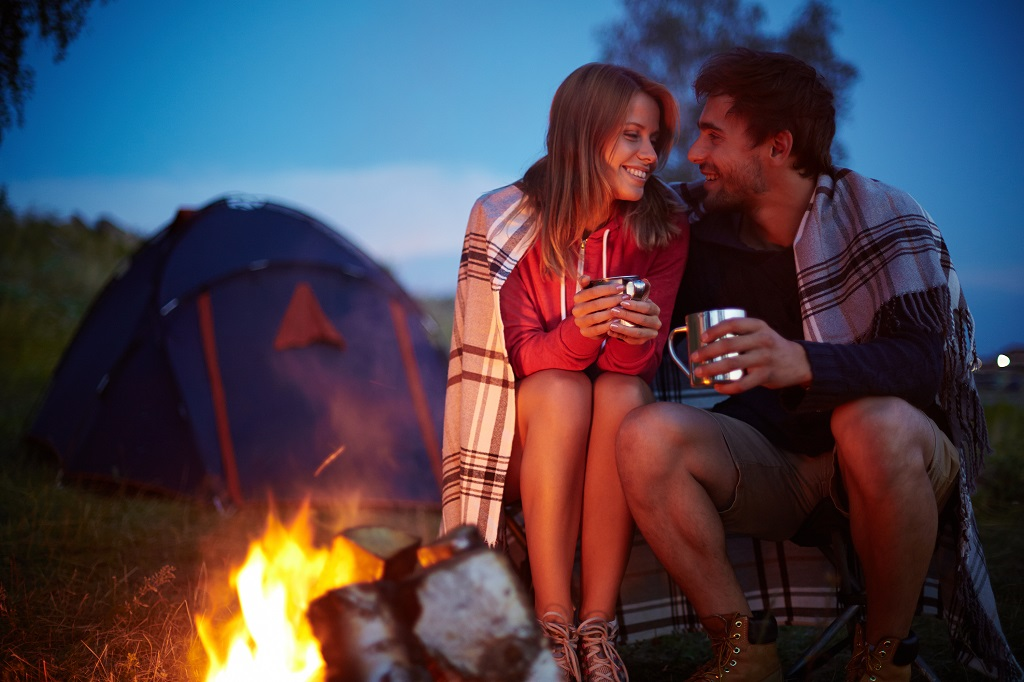 camping-couple-stock