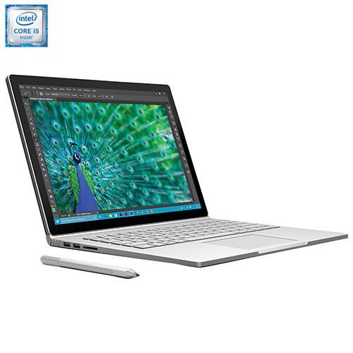 Travailler dehors avec un ordinateur