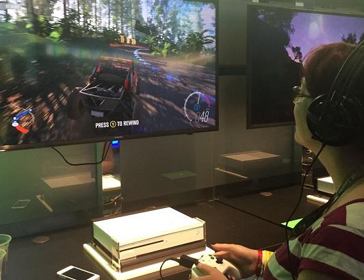 C'est à l'E3 2016 que j'ai pu essayer la nouvelle manette et la Xbox One S