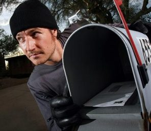 geek-squad-combats-mail-theft-1