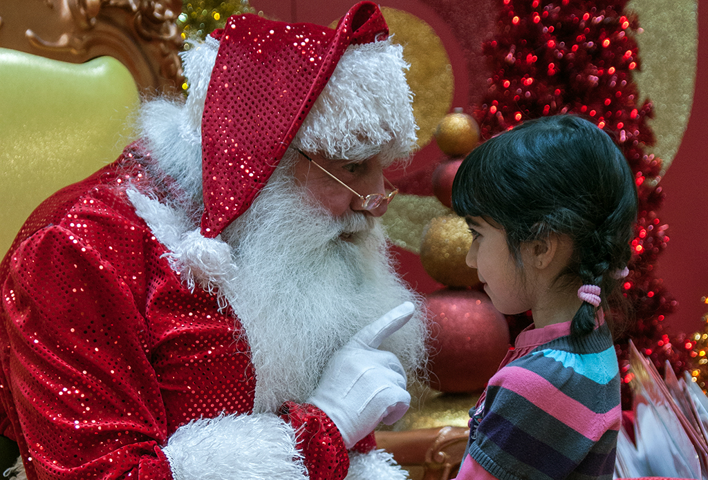 Pere Noel enfant Santa photo