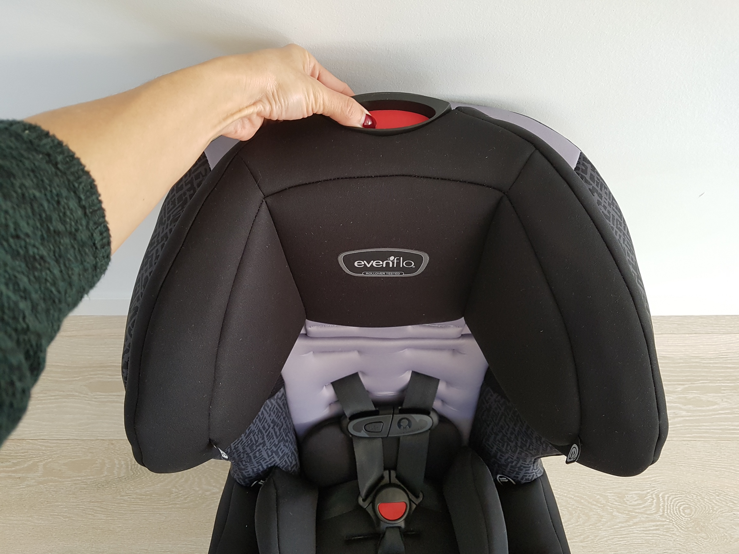 evenflo_car_seat_bby_head_rest1