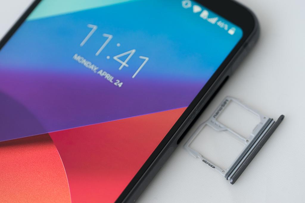 Téléphone intelligent LG G6 lecteur carte microSD