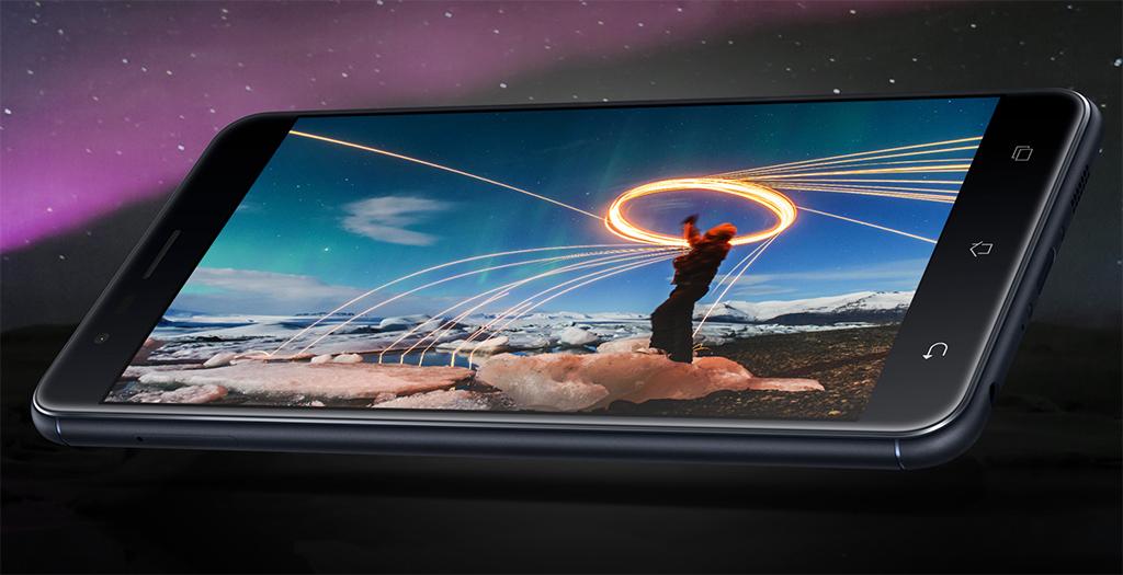 ASUS Zenfone 3 Zoom écran AMOLED