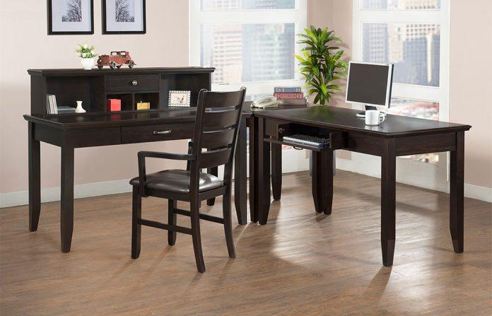Espace de travail à la maison - Bureau à la maison