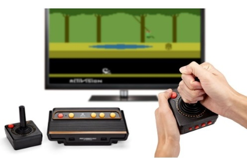 Atari Flashback Gold main rétro