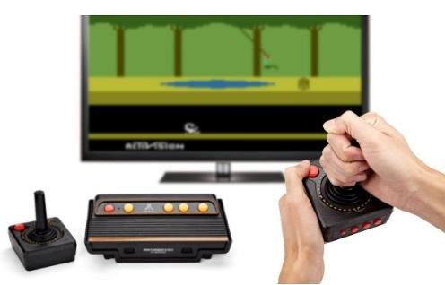 Atari Flashback Gold main rétro