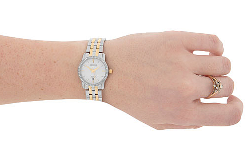 Montre décontractée quartz 27 mm pour femmes de Citizen avec cristaux Swarovski