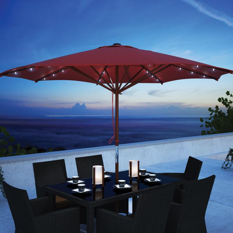 Parasol de patio en bois de 8,6 pi de CorLiving avec éclairage DEL