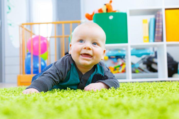 5 suggestions pour aménager la chambre de bébé tout en stimulant son développement