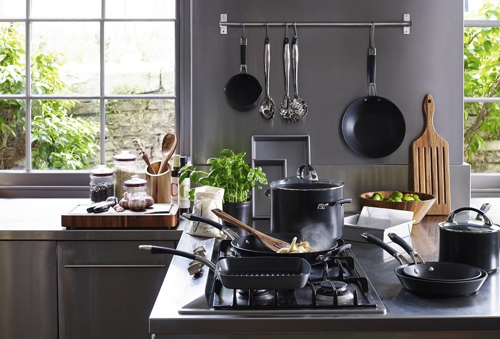 Les essentiels de cuisine pour tous les chefs blogue best buy - Tous les ustensiles de cuisine ...