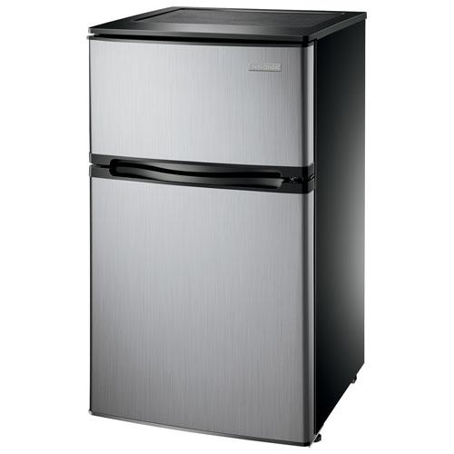 réfrigérateur compact de 3 pi³ 20 po avec congélateur d'Insignia