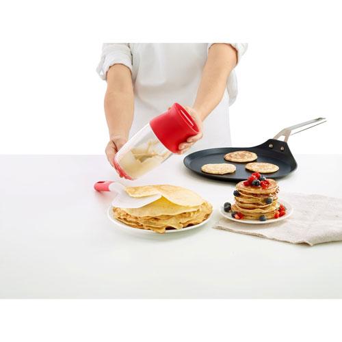 nécessaire à préparation de pâte à crêpes Lékué