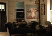 la lampe de plancher et la lampe de table Hue Signe de Philips