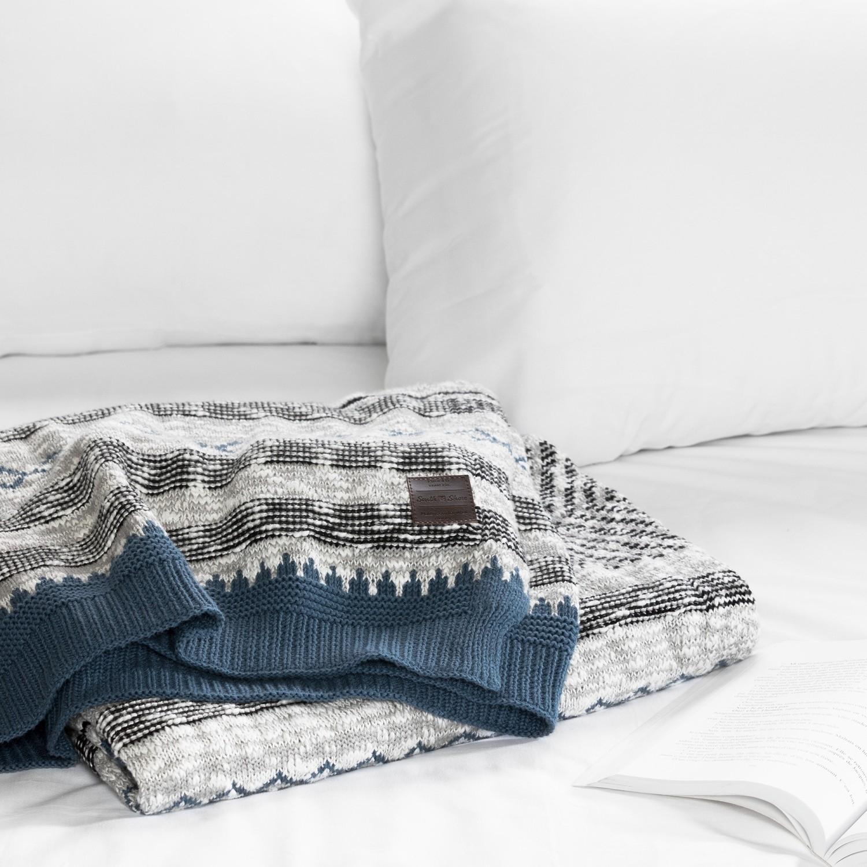 jeté en tricot à motifs Lodge