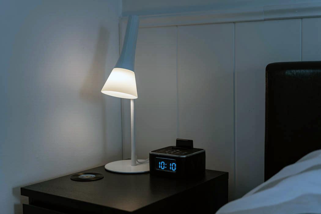lampe de table intelligente hue de philips