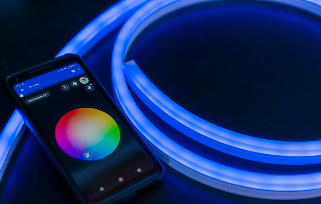 band lumineuse intelligent Philips Hue