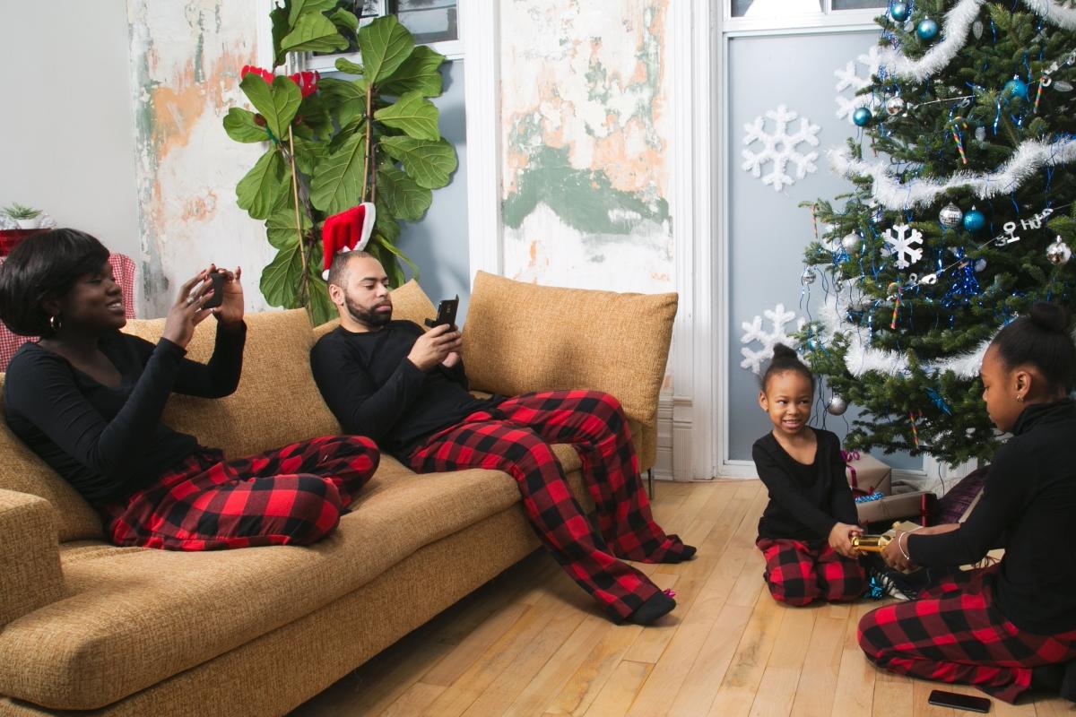 Offrez-leur des cadeaux qu'ils peuvent contrôler à l'aide de leur téléphone intelligent