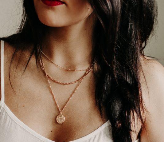 Comment choisir la bonne longueur et le poids parfait pour un collier