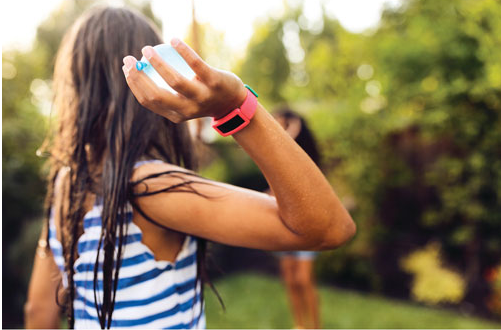 Les avantages d'offrir à votre enfant un bracelet techno