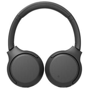 Les écouteurs WH-XB700 de Sony en noir posés à plat sur un fond blanc.