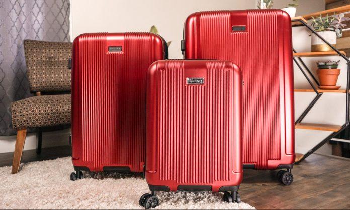 Évaluation de la collection de trois valises rigides Marquis de Champs