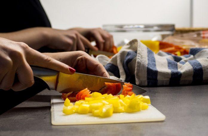 Quels sont les avantages de cuisiner à la maison?