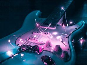Magasinez pour le guitariste dans votre vie