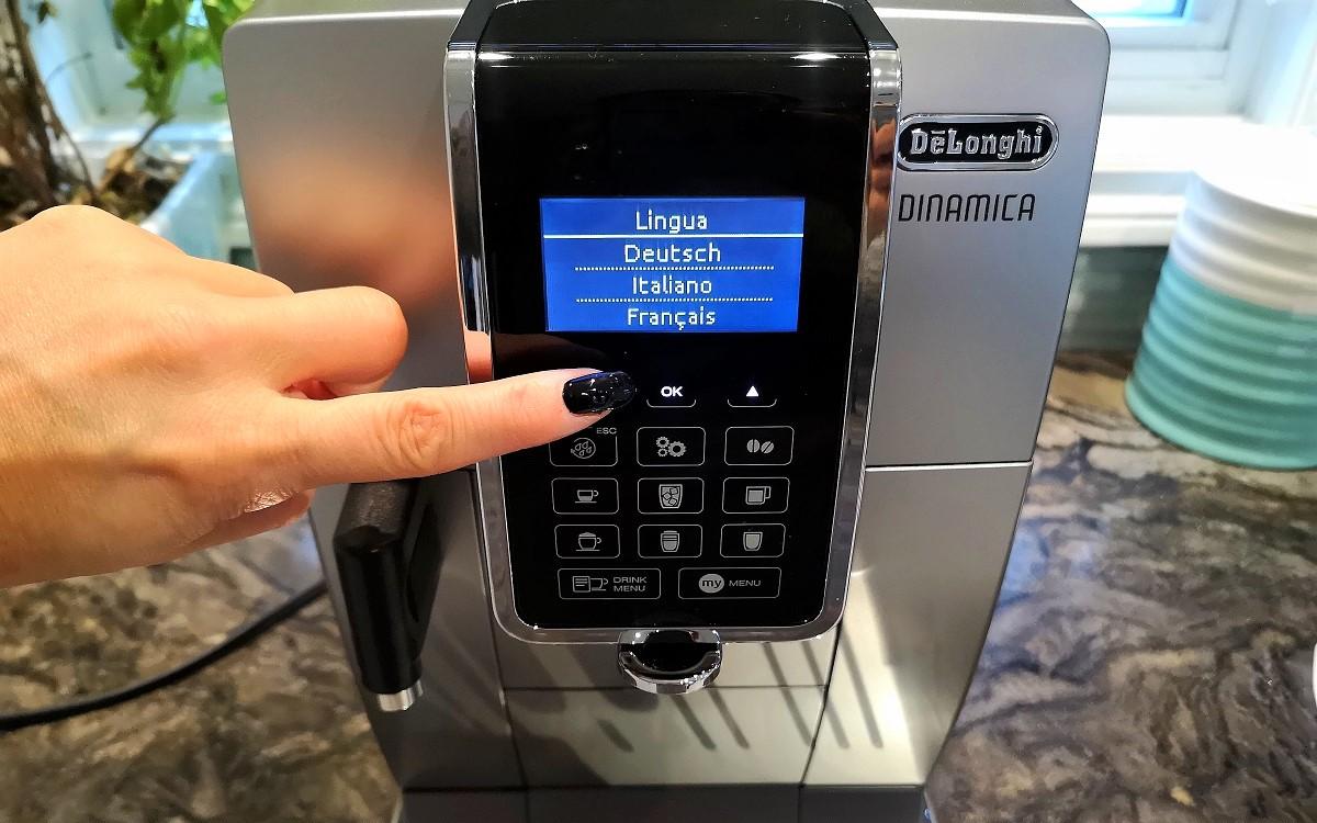Machine à espresso automatique Dinamica de De'Longhi avec moussoir à lait LatteCrema