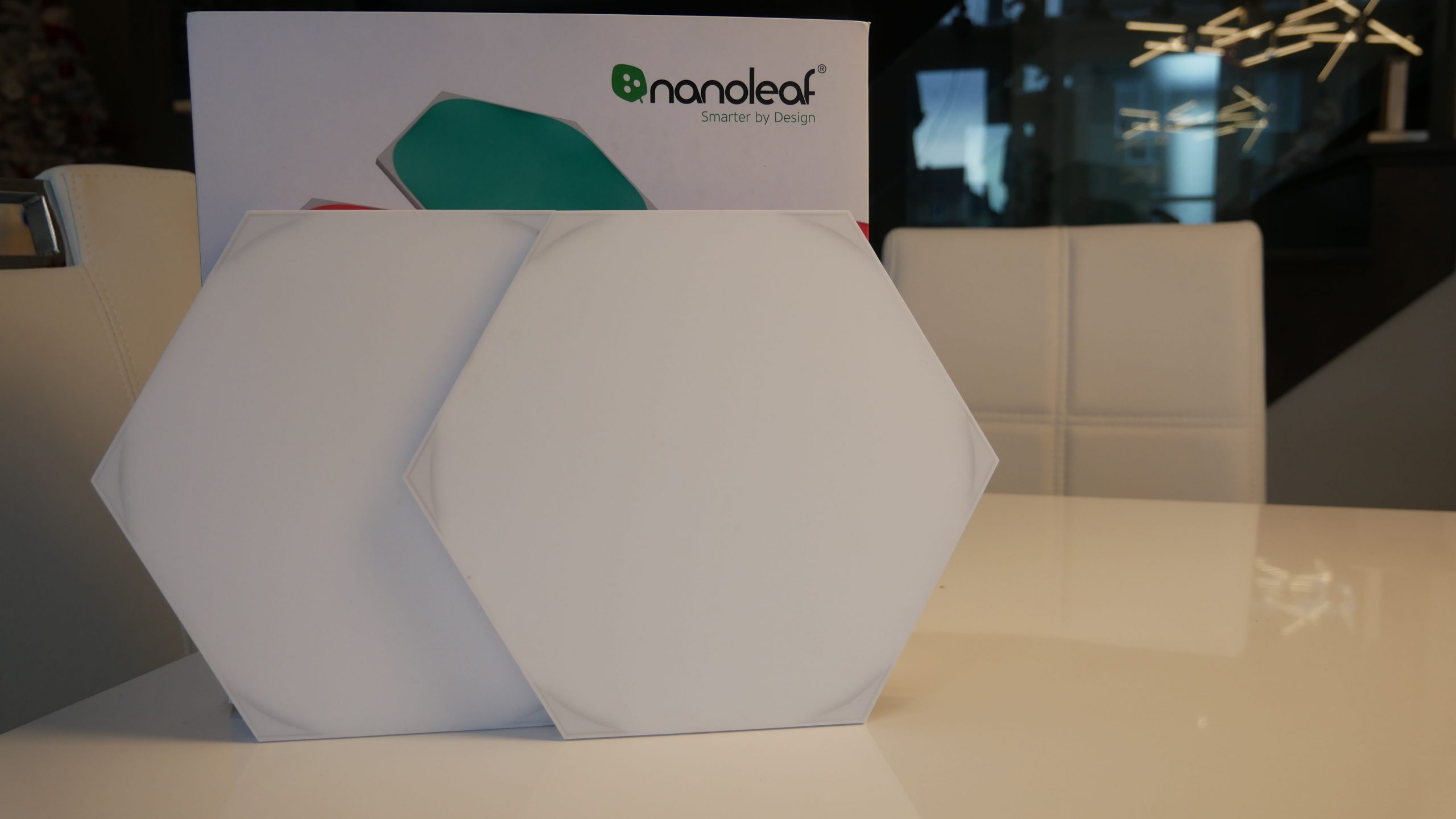 Image of Nanoleaf box with tile