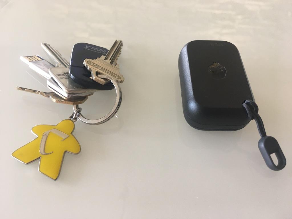 Le boîtier des écouteurs Dime est conçu pour s'attacher à un porte-clés.