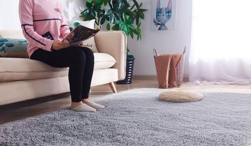 Un tapis de salon confortable