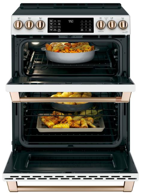 Une cuisinière à double four pour y préparer plusieurs plats simultanément