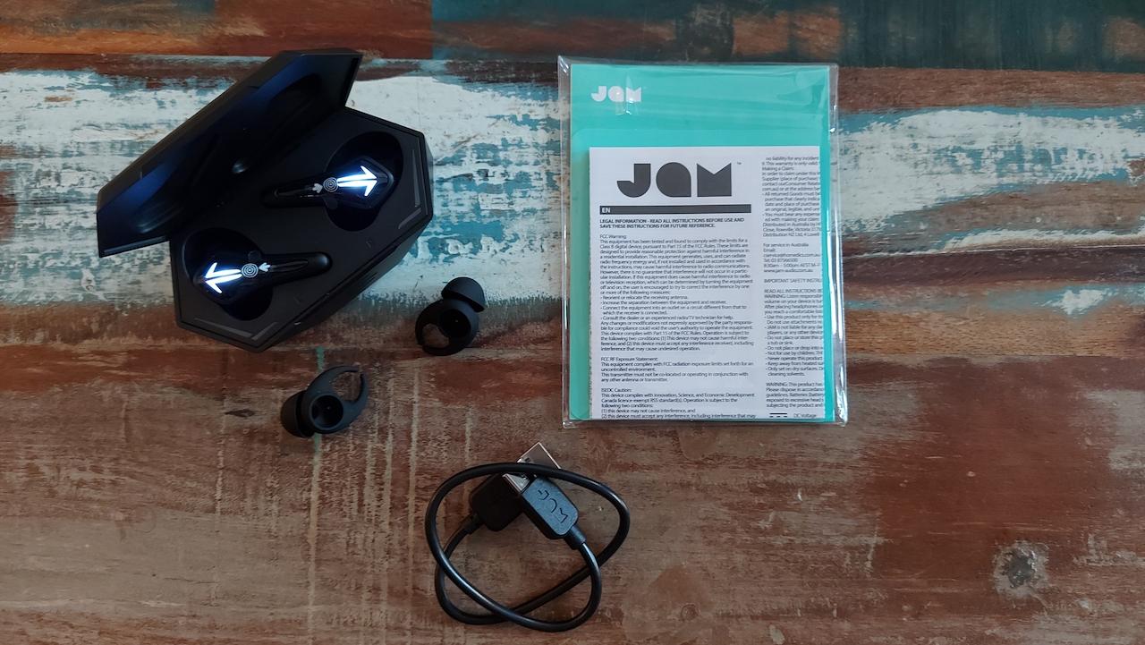 Le conteu des écouteurs sans fil TWS GAME ON de JAM Audio