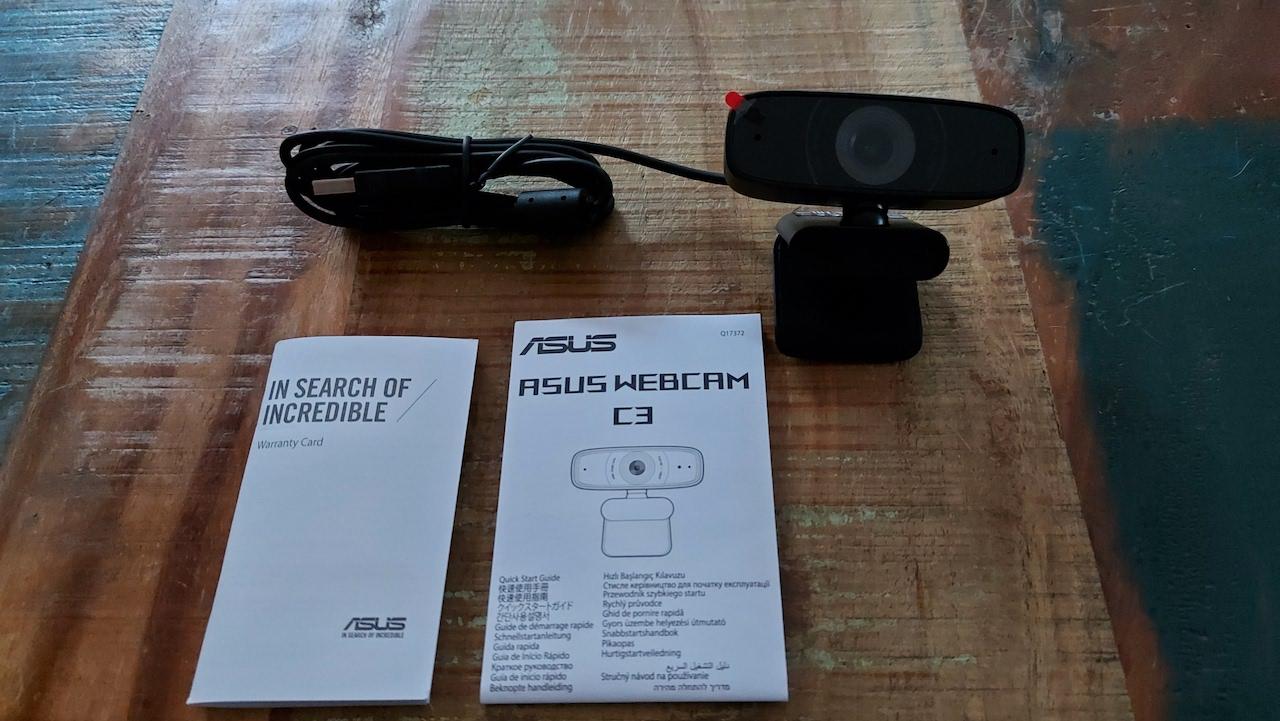 Ce que le boîtier de la caméra Web HD 1080p C3 d'Asus contient