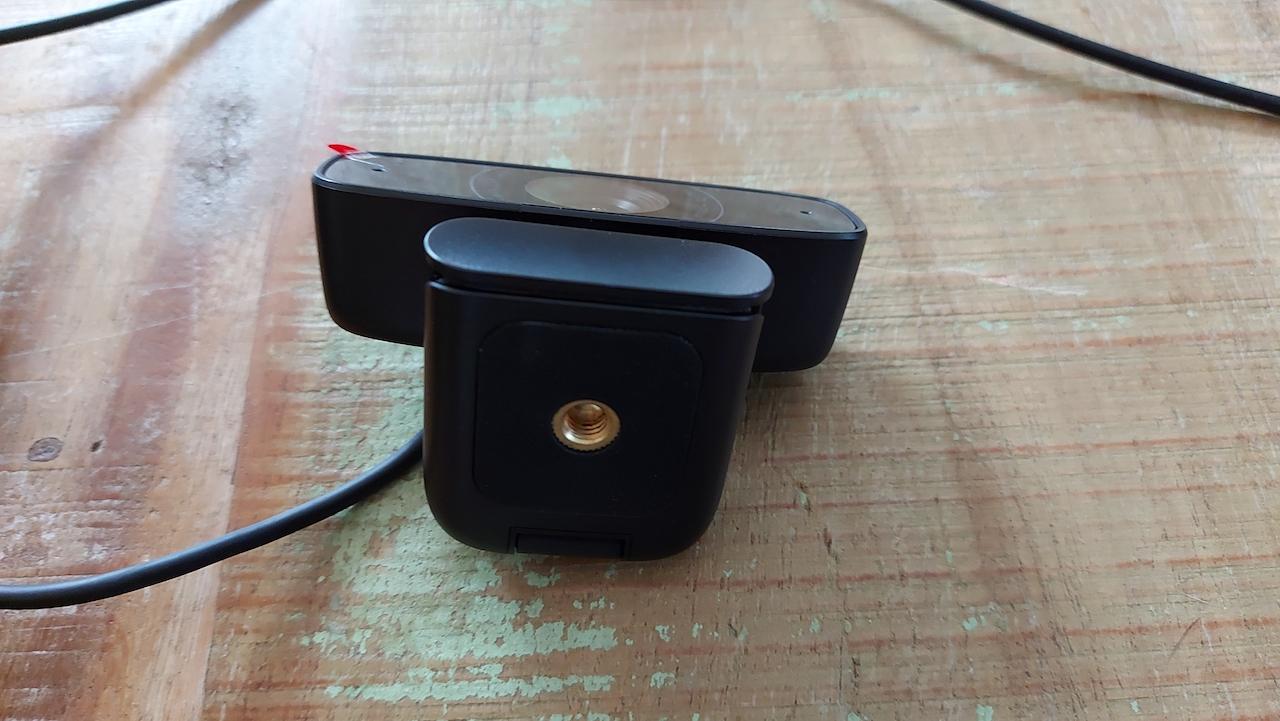 La caméra Web HD 1080p C3 d'Asus peut s'installer sur un trépied