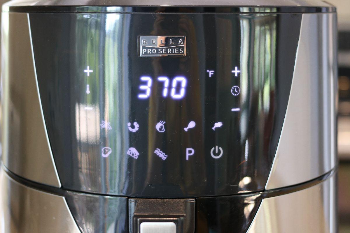 Panneau de contrôle de la friteuse à air chaud tactile Bella Pro